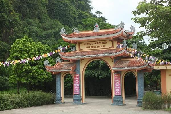 Đền Trúc - Ngũ Động Sơn, Hà Nam - Top 9 địa điểm du lịch Hà Nam nổi tiếng nhất