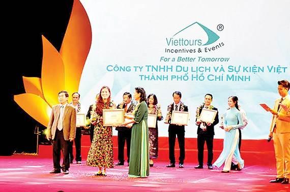 Công ty TNHH du lịch và sự kiện Việt