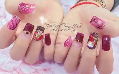 Mẫu móng nail được thực hiện tại tiệm làm nail đẹp ở Hà Nội Trang Julie Nail