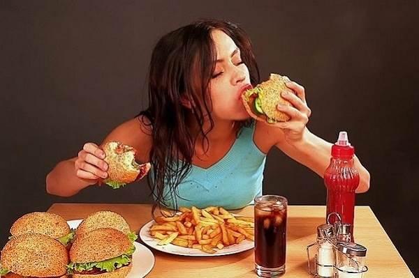 Rối loạn ăn uống là một biểu hiện của chứng trầm cảm