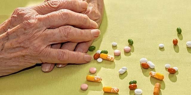 Thuốc chữa viêm khớp cổ tay nên uống thuốc gì?