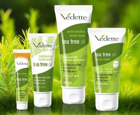Kem tẩy tế bào chết Tea Tree Oil Brightening Facial Scrub