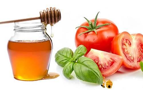 Mặt nạ trị mụn tại nhà bằng cà chua và mật ong
