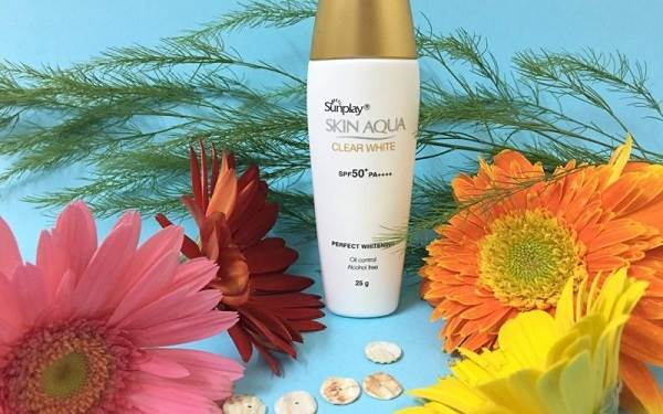 Sunplay Skin Aqua Clear White chống nắng vượt trội