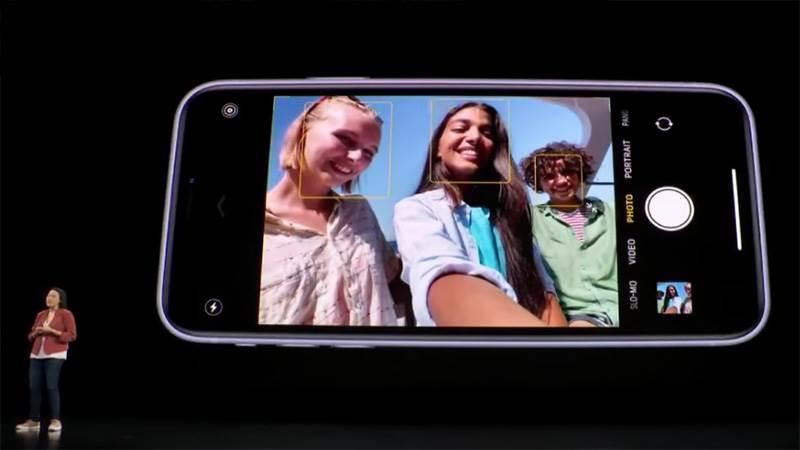 Camera selfie cũng được cải tiến và đã được nâng cấp lên độ phân giải 12 MP.