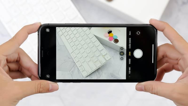 Ảnh chụp từ cam trước của iPhone 11 pro max