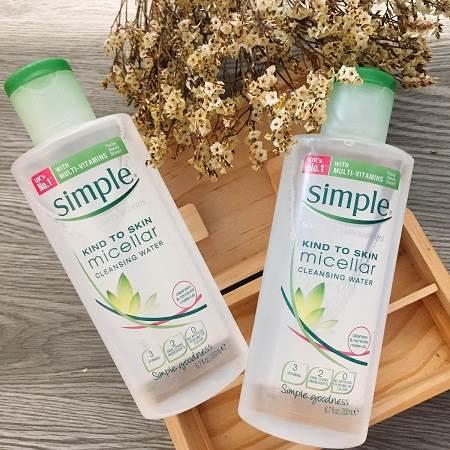 Tẩy trang cho da dầu Simple Cleansing Micellar Water