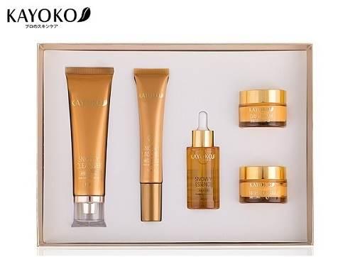 Sữa rửa mặt Snowy Gloss Cleanser Kayoko 5plus
