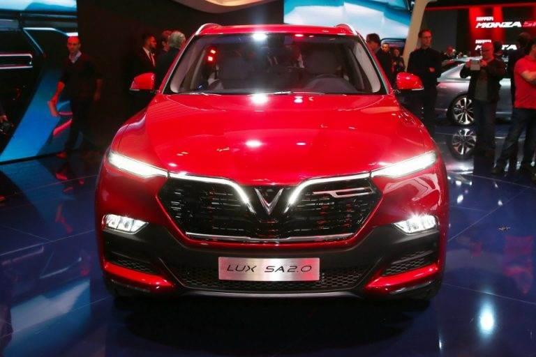Xe Vinfast Lux SA 2.0 tại triển lãm