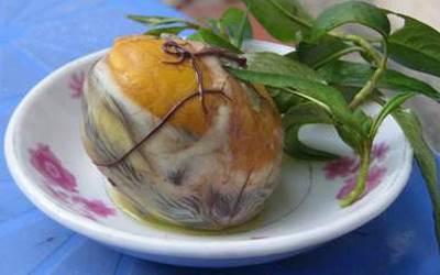 Những món ăn kinh dị nhất Việt Nam-trứng vịt lộn