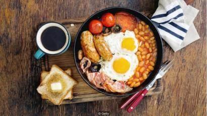 Ăn sáng là một thói quen tổt cho sức khỏe mà bạn cần phải thực hiện luôn.