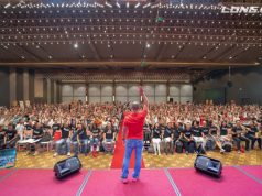 Diễn giả Phạm Thành Long luôn sống và sẵn sàng cống hiến hết mình vì những lợi ích của cộng đồng