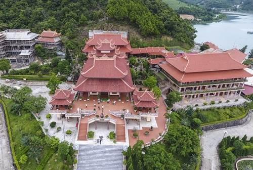 chùa cái bầu - du lịch tâm linh quảng ninh