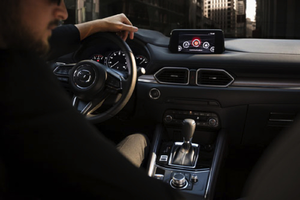 Mazda CX-5 2021 sẽ được trang bị màn hình cảm ứng 10,25 inch có khả năng kết nối Androi Auto và Apple Carplay