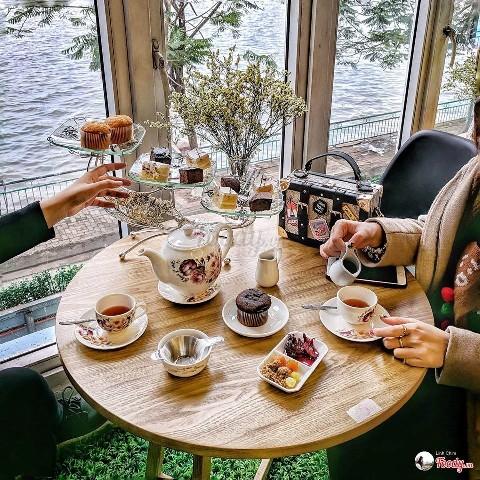 Top 4 địa điểm quán Cafe sống ảo Hồ Tây ai cũng phải thử 1 lần!